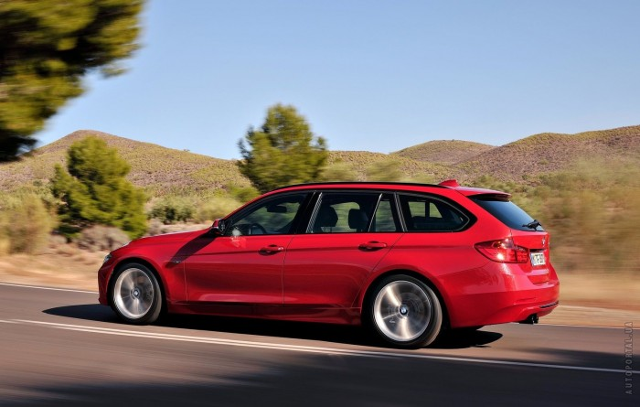 BMW 3 Series Touring 2012 – фотография 1